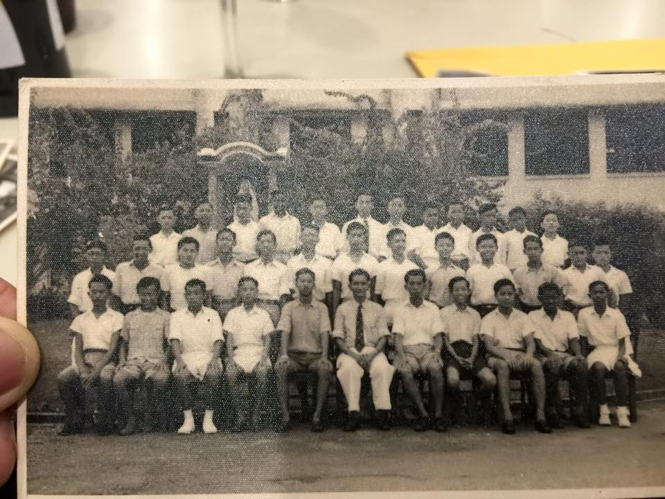 class of 1950 with Mr TO Aeria