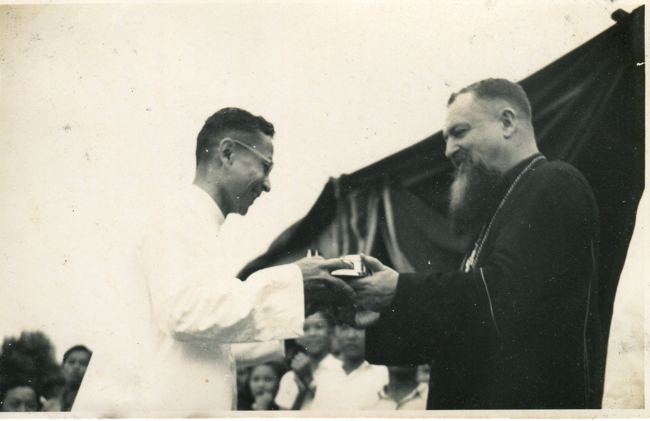 1952-Bro-Justinian-with-the-then-Archbishop-of-Singapore033