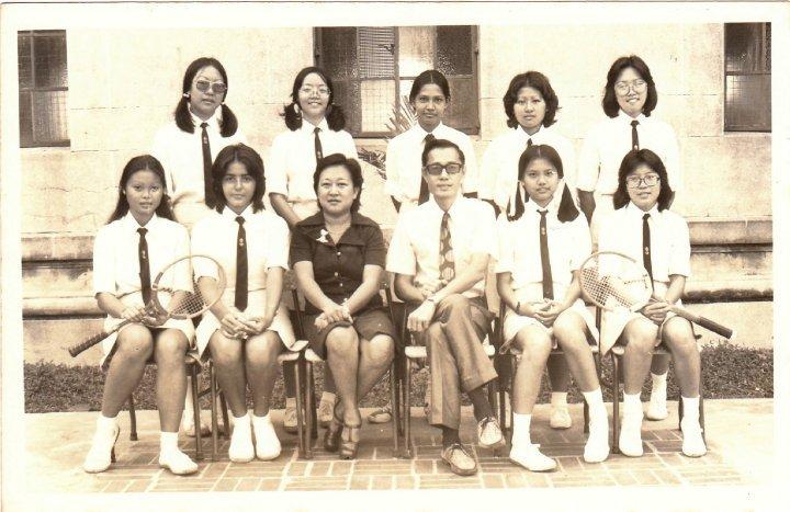 Grils Tennis Team 1974-1975