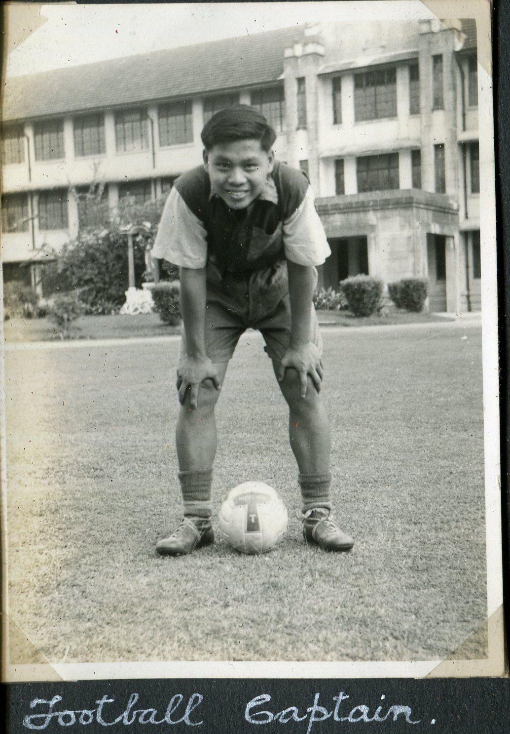 1955 -Football Captain011